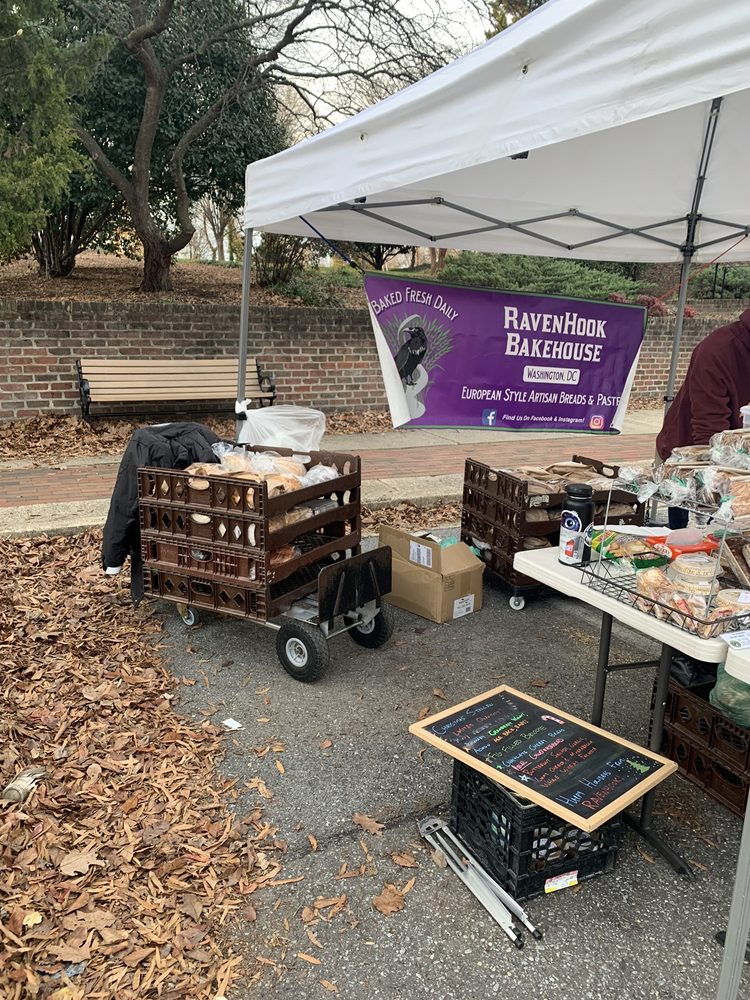 Riverdale Park Farmers Market: 4650 Queensbury Rd, Riverdale Park, MD