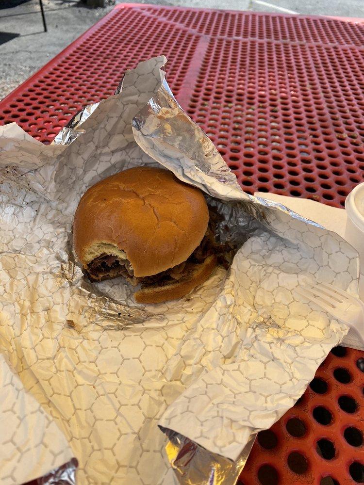 Rubbin' Meats Backyard BBQ: 1025 Market St, Lemoyne, PA