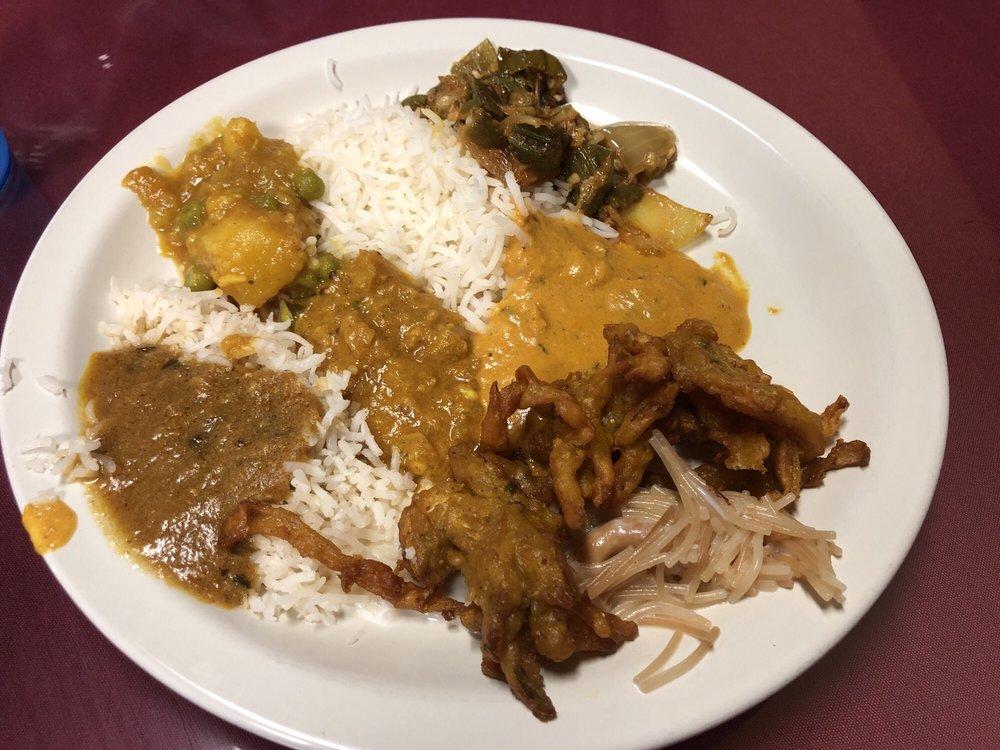 Taste of India: 606 N Wickham Rd, Melbourne, FL