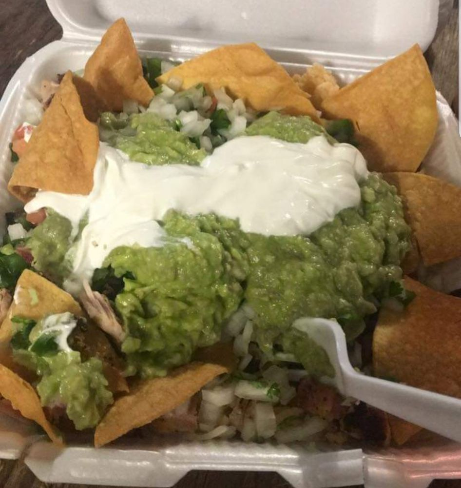 Bobby's Tacos: 16408 South Interstate Hwy 35, Dilley, TX