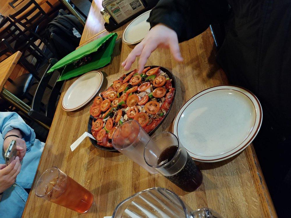 Fultano's Pizza: 78 E Harbor St, Warrenton, OR
