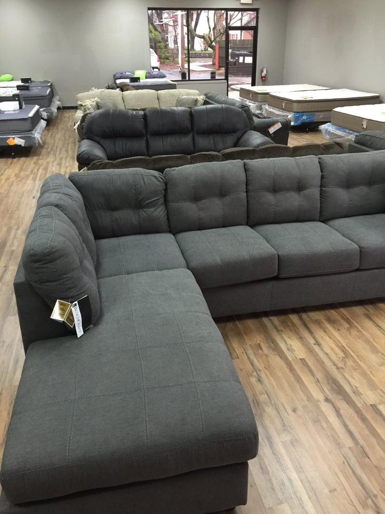 Dayton discount furniture m bel 2898 s dixie dr for Furniture kettering