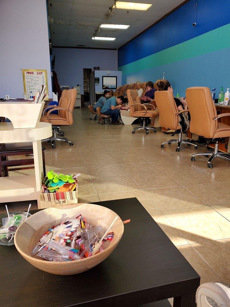 Tee Nails: 2050 Green Rd, Ann Arbor, MI