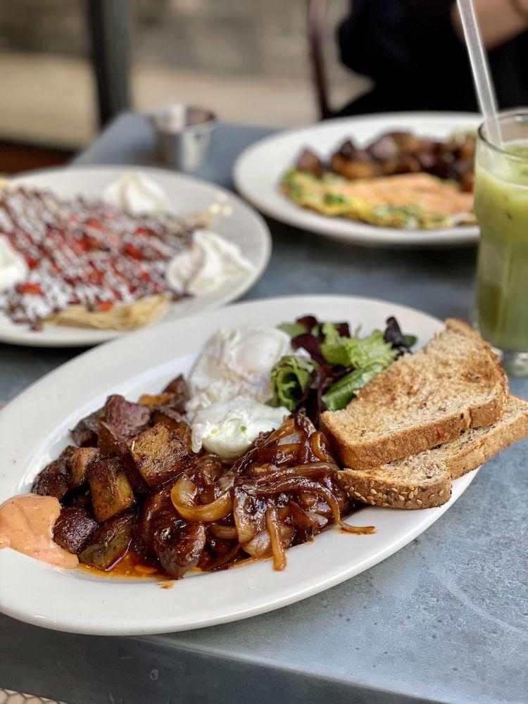 Food from Cafe Bonjour