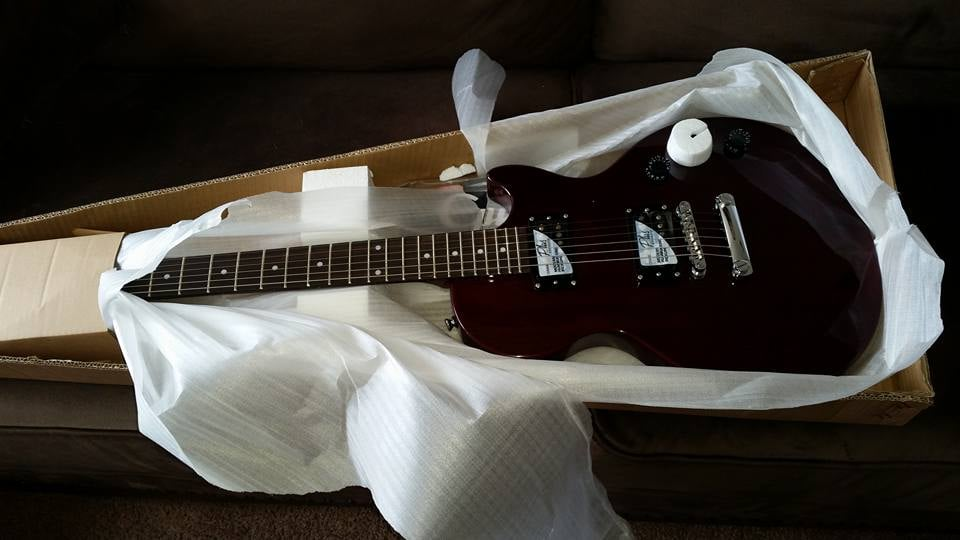 my new and first guitar epiphone les paul special ii thanks yelp. Black Bedroom Furniture Sets. Home Design Ideas