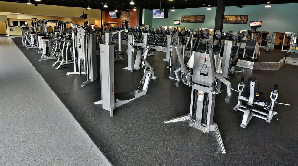 Gold's Gym: 2363 S 25th E, Idaho Falls, ID