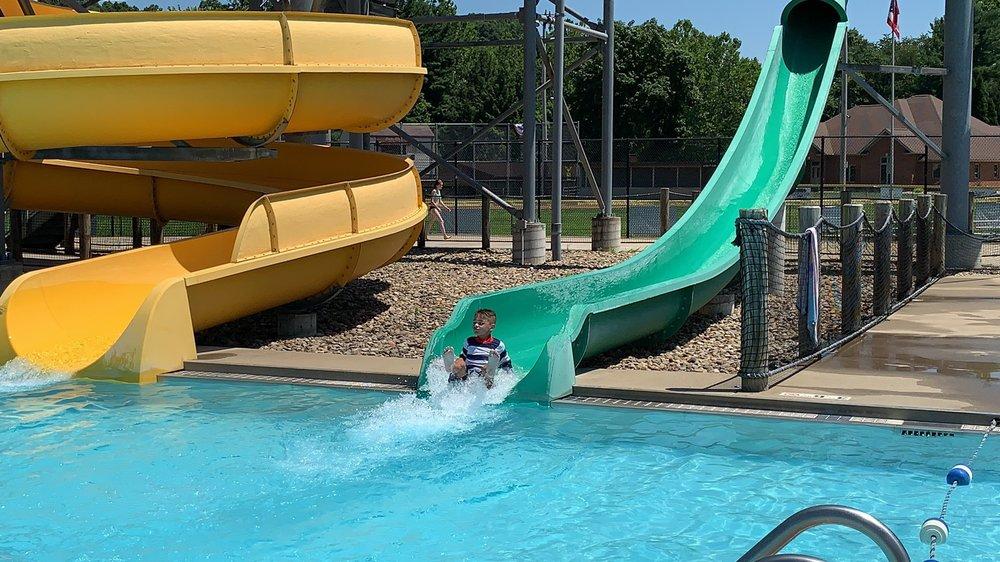 Uhrichsville Water Park: 401 E 12th St, Uhrichsville, OH