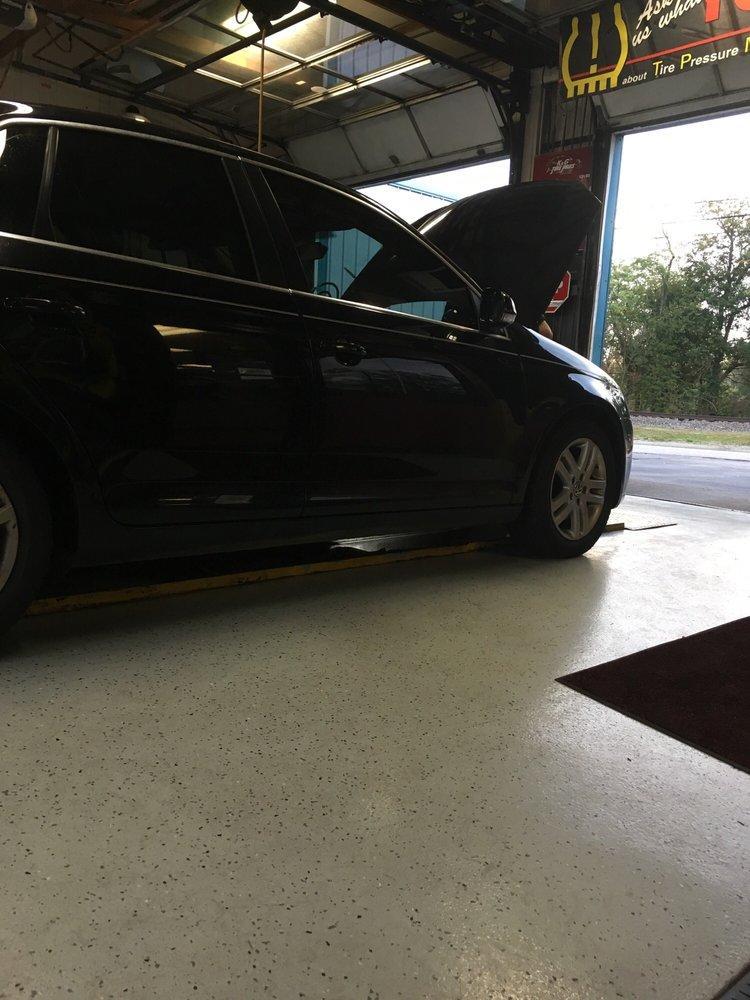 K&G Tire Pros: 4306 W Hwy 146, Buckner, KY