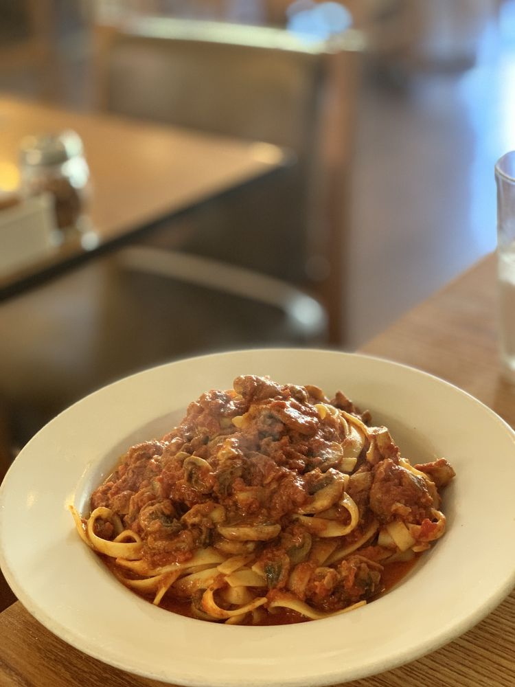 Alejos Presto Trattoria Italian Restaurant