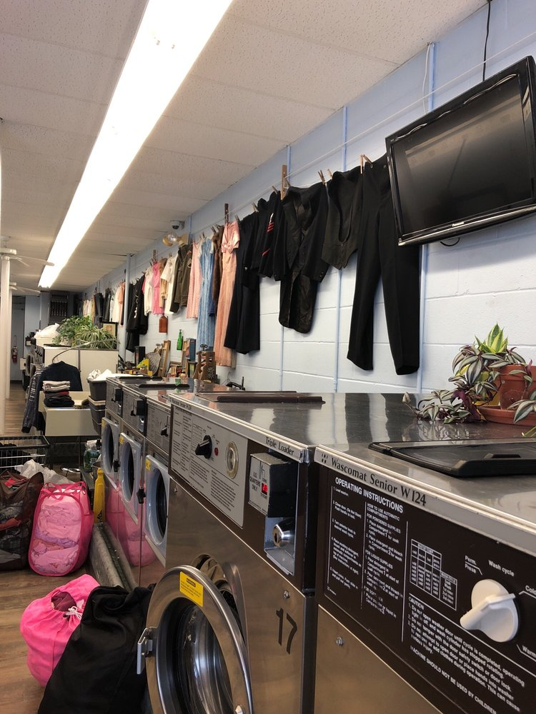 We've Got Your Sock Laundromat and Drycleaning Too: 702 Freedom Plains Rd, Poughkeepsie, NY