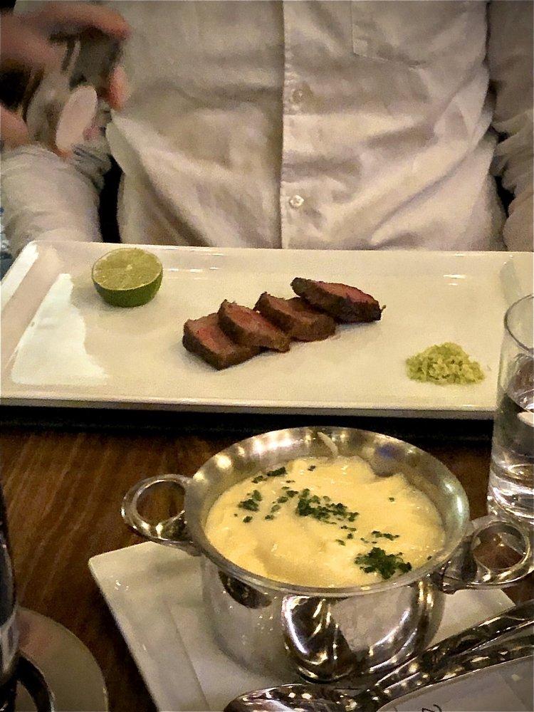 Gordon Ramsay Steak: 1 Riverboat Dr, North Kansas City, MO