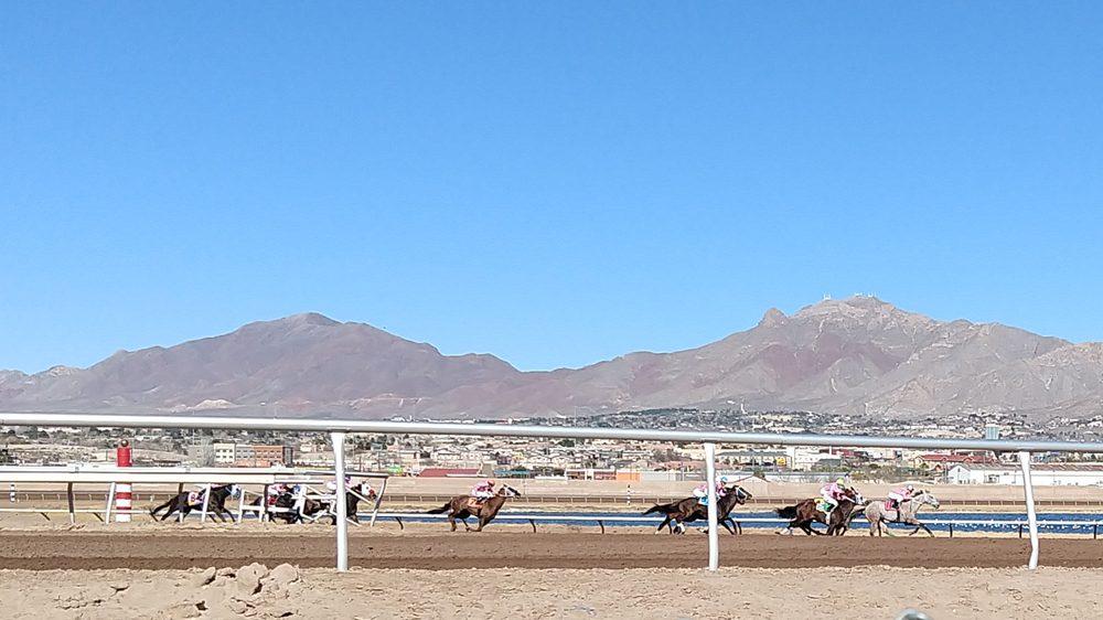 Sunland Park Race Track & Casino: 1200 Futurity Dr, Sunland Park, NM