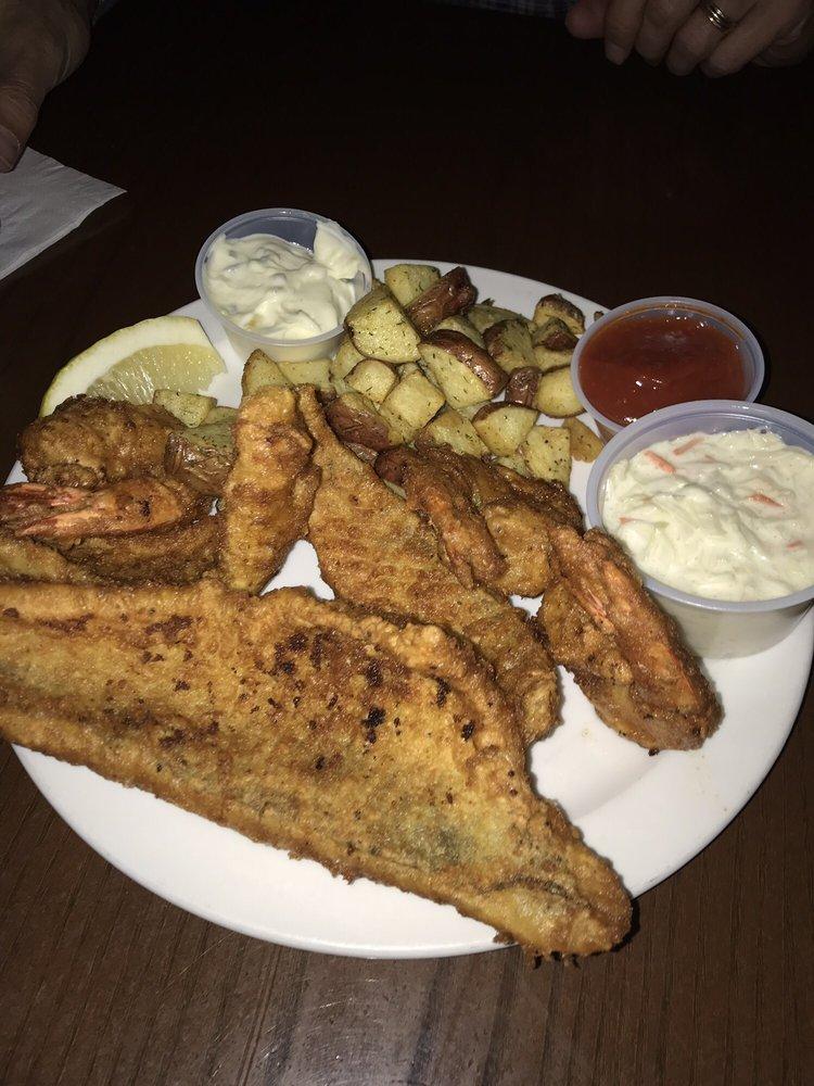 Famers Sports Bar & Grill: N3332 Pine Mountain Rd, Iron Mountain, MI
