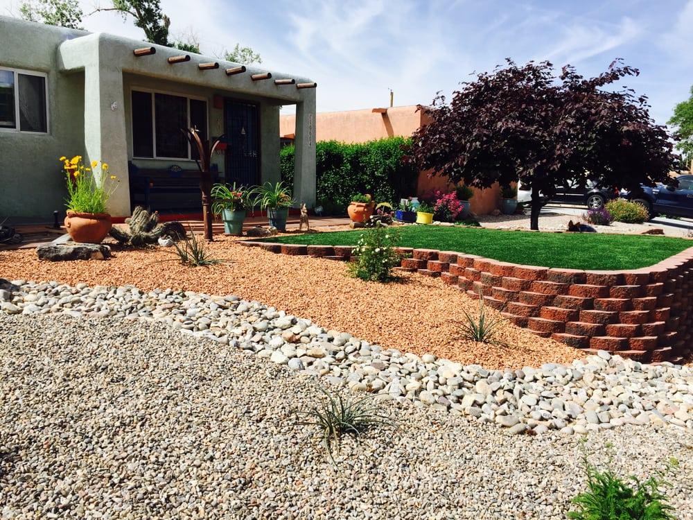 La Barge Landscape: 2110 Claremont Ave, Albuquerque, NM