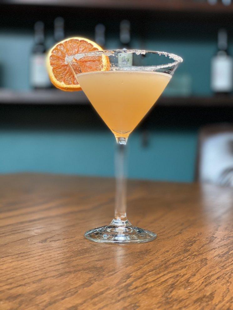 Vinifera Wine Bar & Bistro: 18 Auburn Way S, Auburn, WA