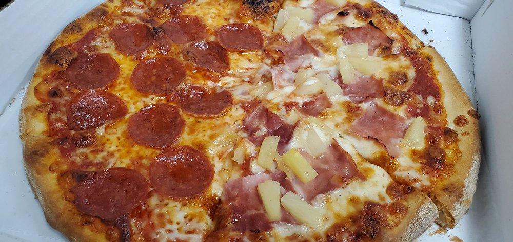 Verona's Pizza: 18 E Franklin St, Bellbrook, OH