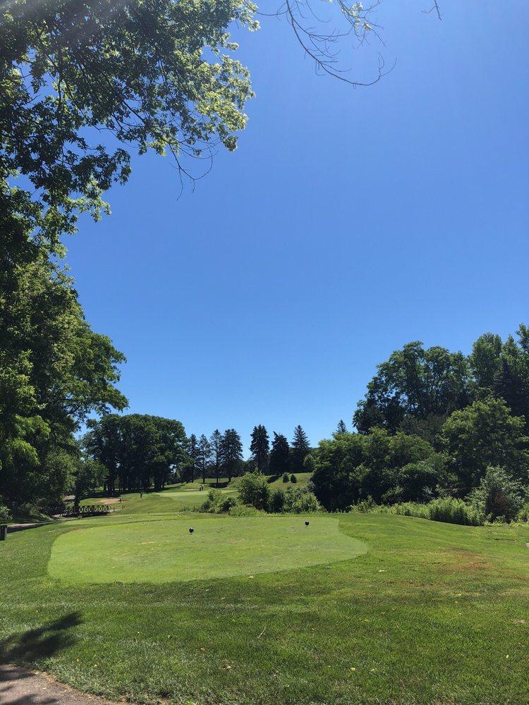 Farmington Hills Golf Club And Driving Range