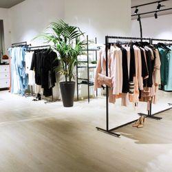 sports shoes 2a2cf 7a93a Jolie Fashion Store - Women's Clothing - Piazza Francesco ...