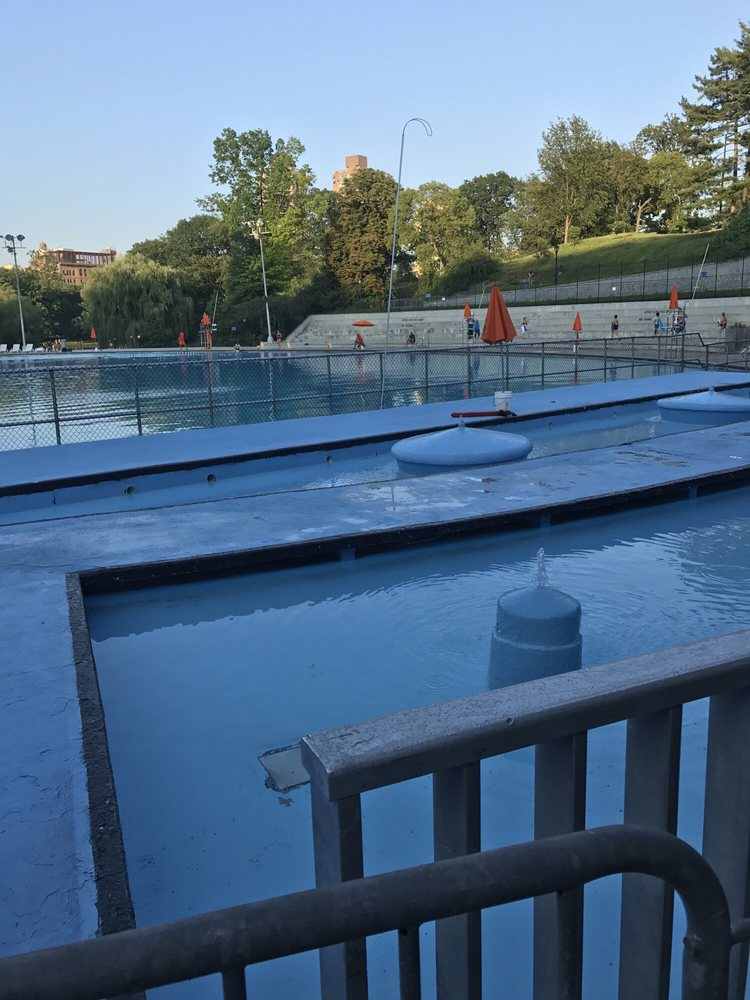 Lasker Pool 15 Photos 29 Reviews Swimming Pools Central Park Between 106th 108th St
