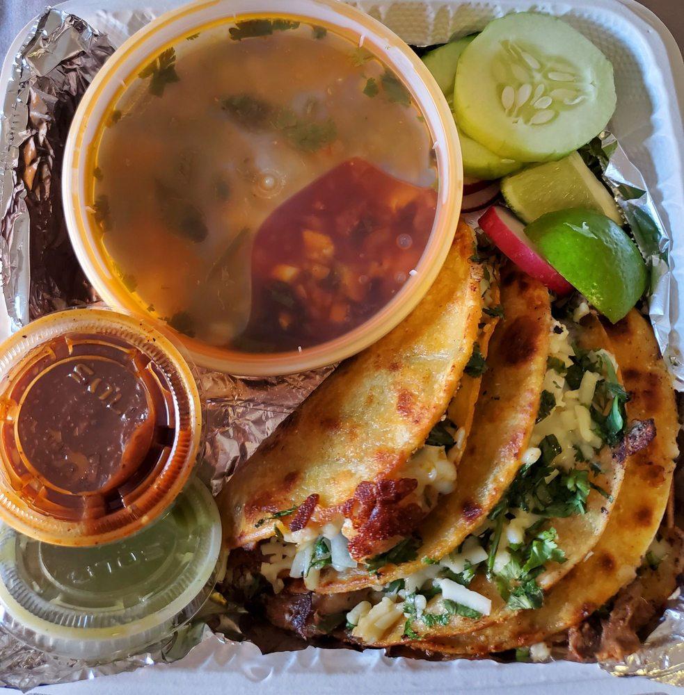 Food from Taqueria Los Primos