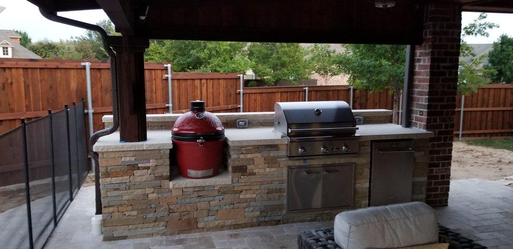 New outdoor kitchen island with Kamado Joe, Delta Heat gas ...