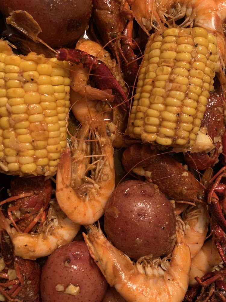 Food from Surfing Crab Cajun Seafood Boil