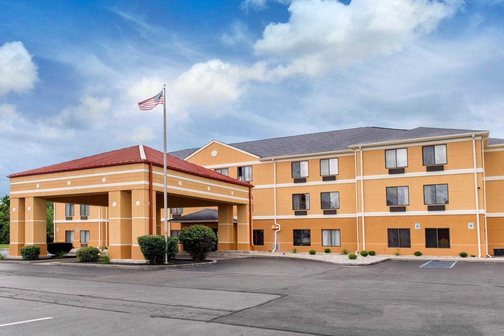 Quality Inn & Suites: 1836 East 64th St, Anderson, IN