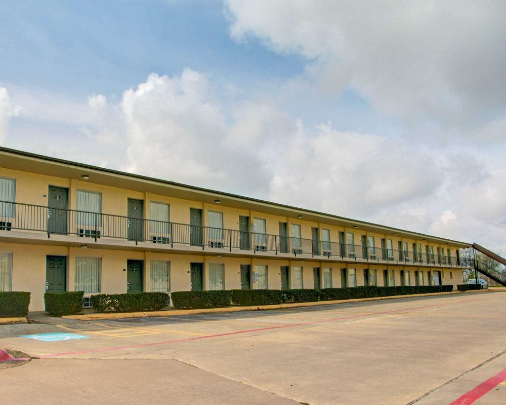 Econo Lodge: 4505 N Stateline Ave, Texarkana, TX