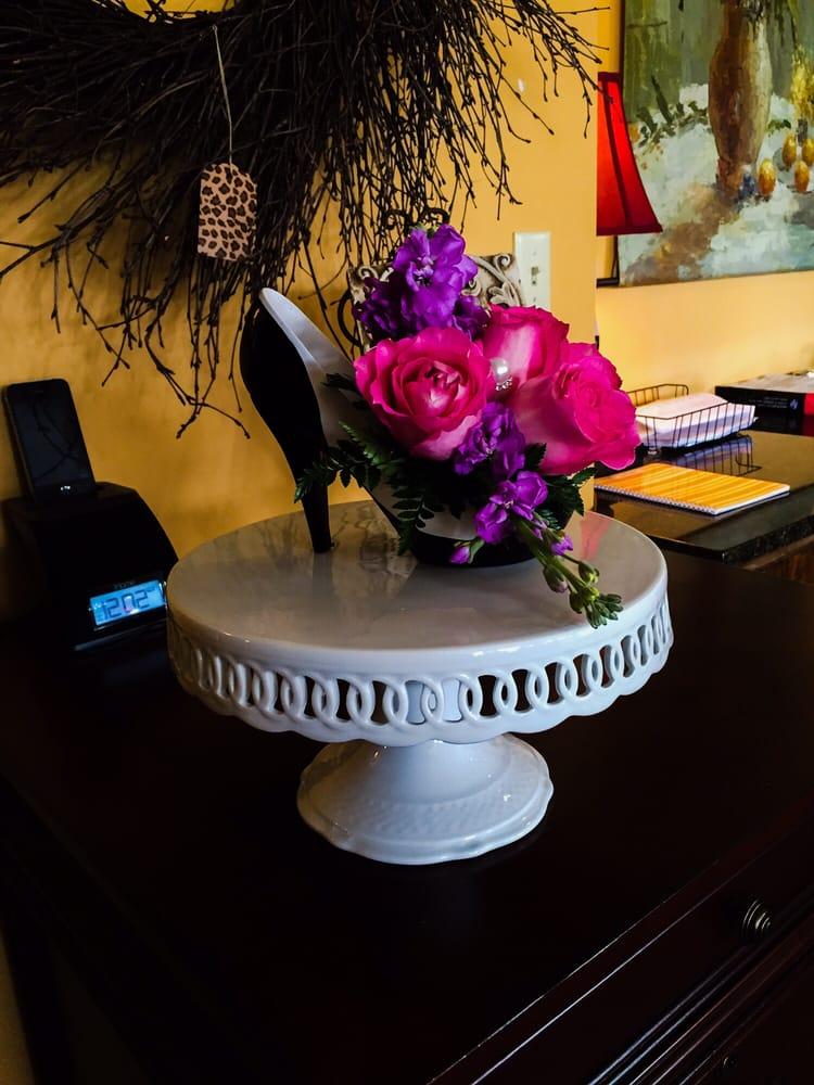 Laurie Anne's House Of Flowers: 713 N Elder St, Wichita, KS