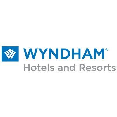 Wyndham Clearwater Beach Resort: 110 Coronado Dr, Clearwater Beach, FL