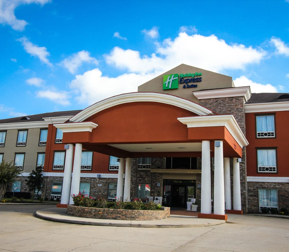 Holiday Inn Express & Suites Nacogdoches: 200 Holiday Ln, Nacogdoches, TX
