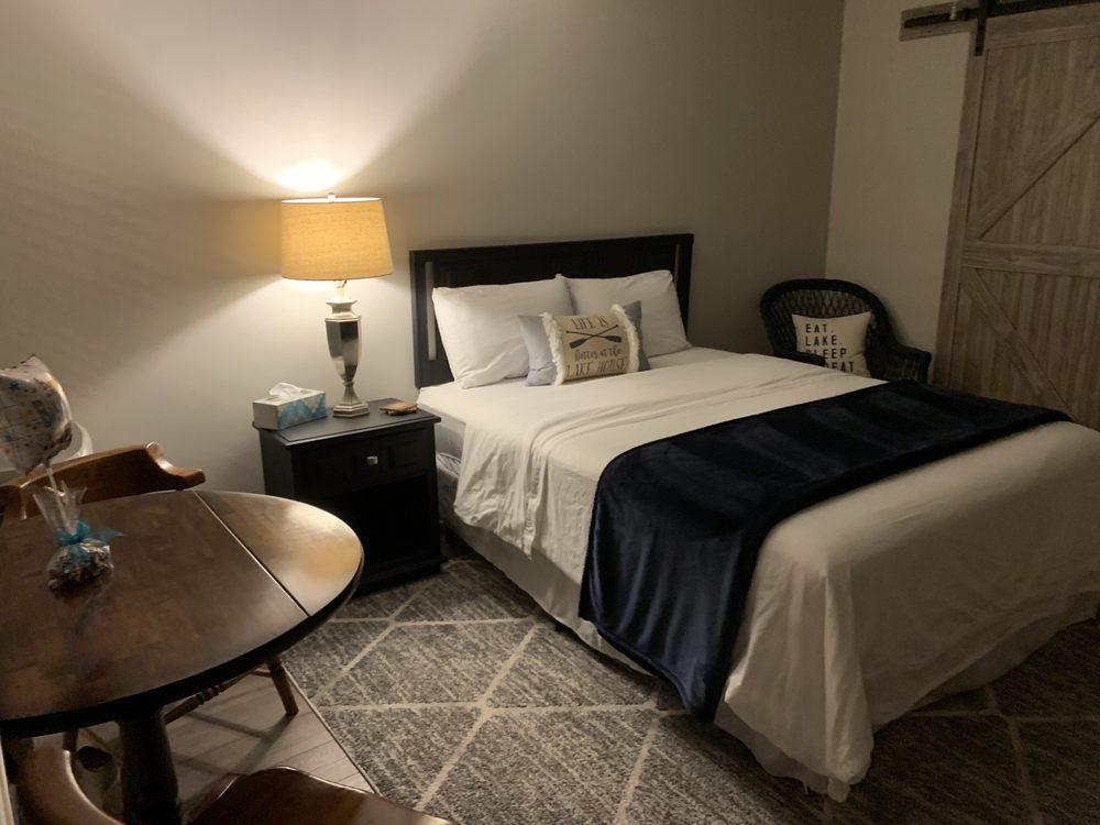 The Shamrock Inn : 2445 State Rte 9, Peru, NY