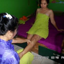 Frau rasiert schwanz