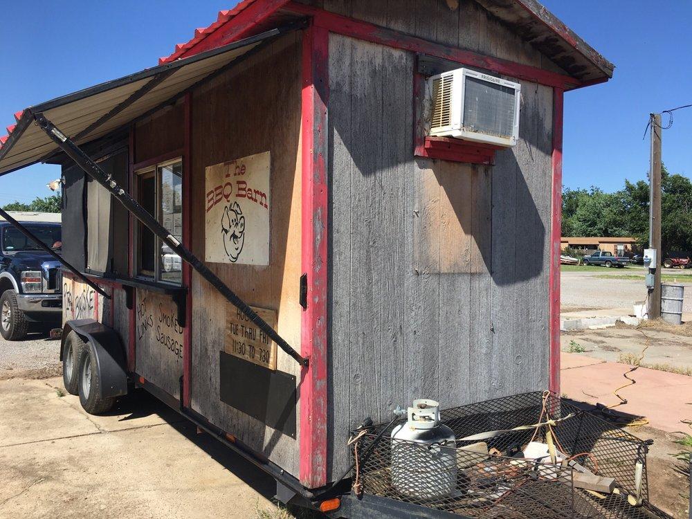 Bbq Barn: Hwy 81 N, Minco, OK