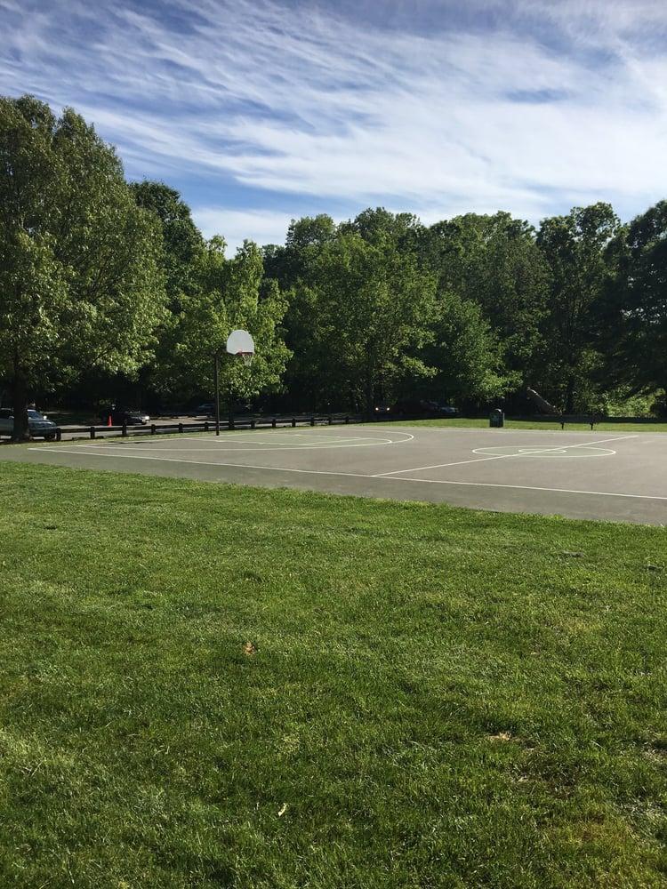Browns Chapel Park: 1686 Browns Chapel Rd, Reston, VA