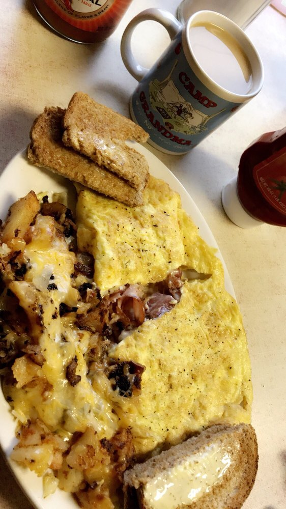 Crossroads Diner: 22474 US Rte 11, Watertown, NY