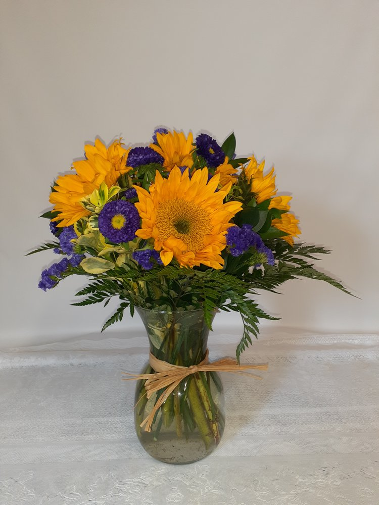 Valley Florist & Greenhouse: 1 Valley Dr, Templeton, MA