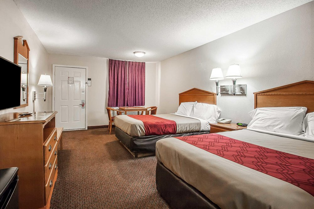 Econo Lodge: 2600 Anderson Ave, Brownsville, TN