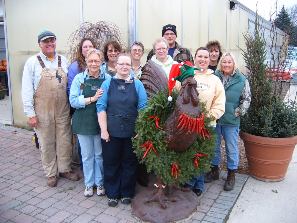 Del's Garden Center Inc: 1808 11th St SE, Spencer, IA