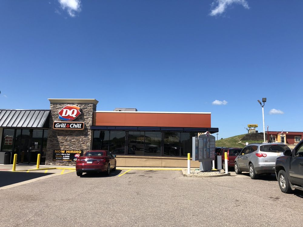 Dairy Queen Grill & Chill: 1021 Highway 71 N, Jackson, MN
