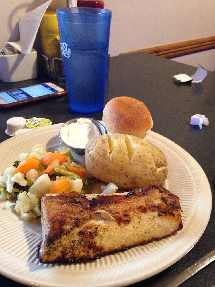 O'Hungry's: 3303 S Center St, Marshalltown, IA