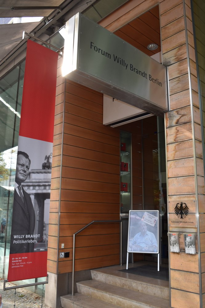 Forum Willy Brandt - 24 Fotos - Museum - Unter den Linden 62-68 ...