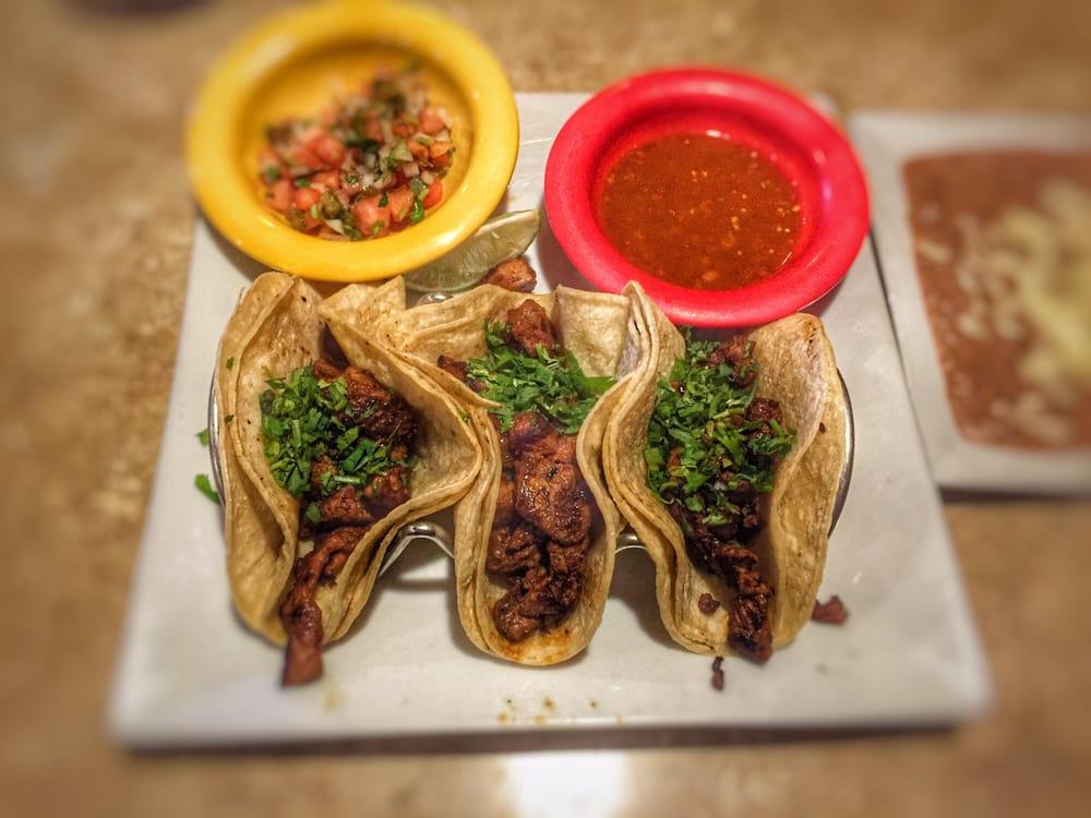 El Loro Mexican Restaurant: 801 Volvo Pkwy, Chesapeake, VA