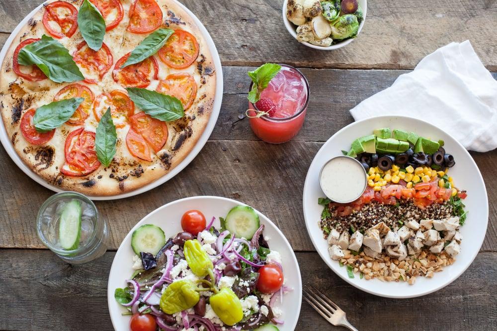 Picazzo's Healthy Italian Kitchen: 440 W Warner Rd, Tempe, AZ