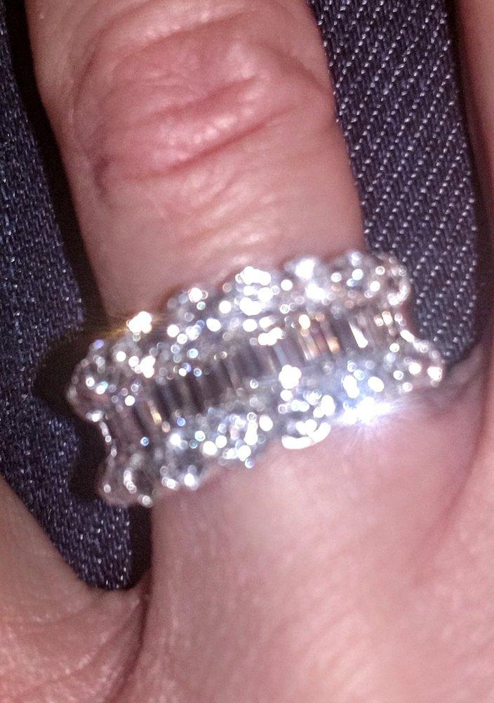 Osborne's Jewelers: 22099 Hwy 72, Athens, AL