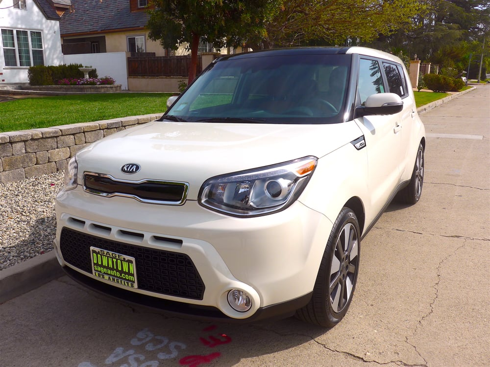 woo hoo my brand new 2016 kia soul exclaim 39 cloud white 39 umbra premium package yelp. Black Bedroom Furniture Sets. Home Design Ideas