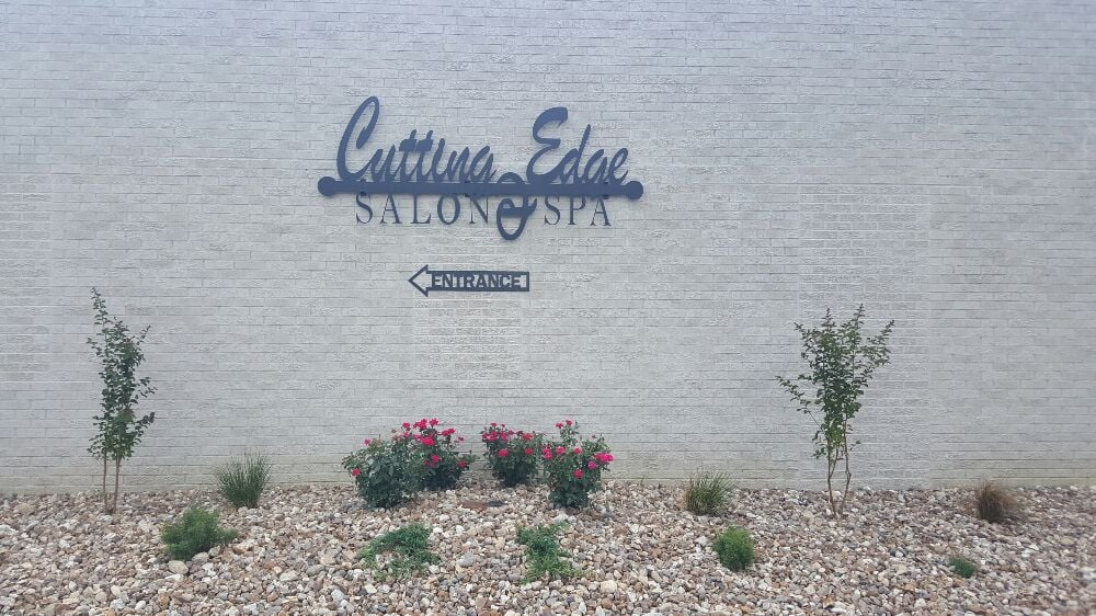 Cutting Edge Salon & Spa: 553 W Adams St, Jackson, MO