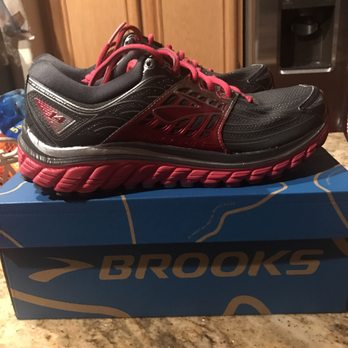 Photo of Reno Running Company - Reno, NV, United States. Best shoes for