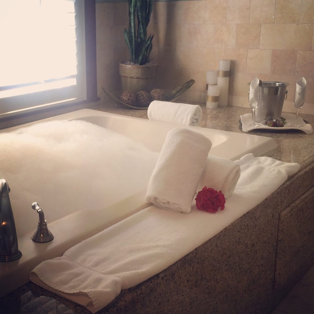 Couple\'s bubbly package includes bubble bath, couple\'s massage and ...