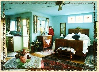 Sonoma Chalet Bed & Breakfast: 18935 5th St W, Sonoma, CA
